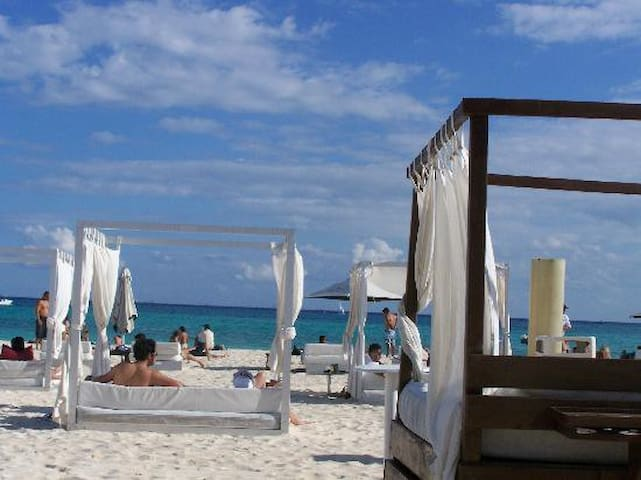 Mamitas Beach and 5th Avenue - Playa del Carmen - Apartment
