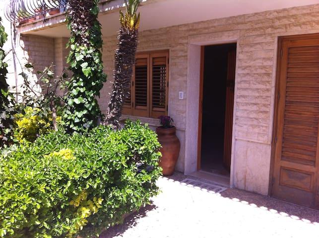 Spazioso appartamento piano terra  - Valderice - Apartment