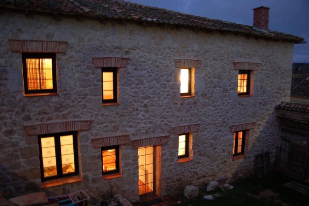 Exterior de la casa desde el patio