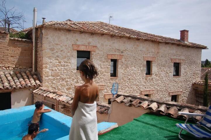 La casa del barbero   - Canillas de Esgueva, Valladolid - Hus