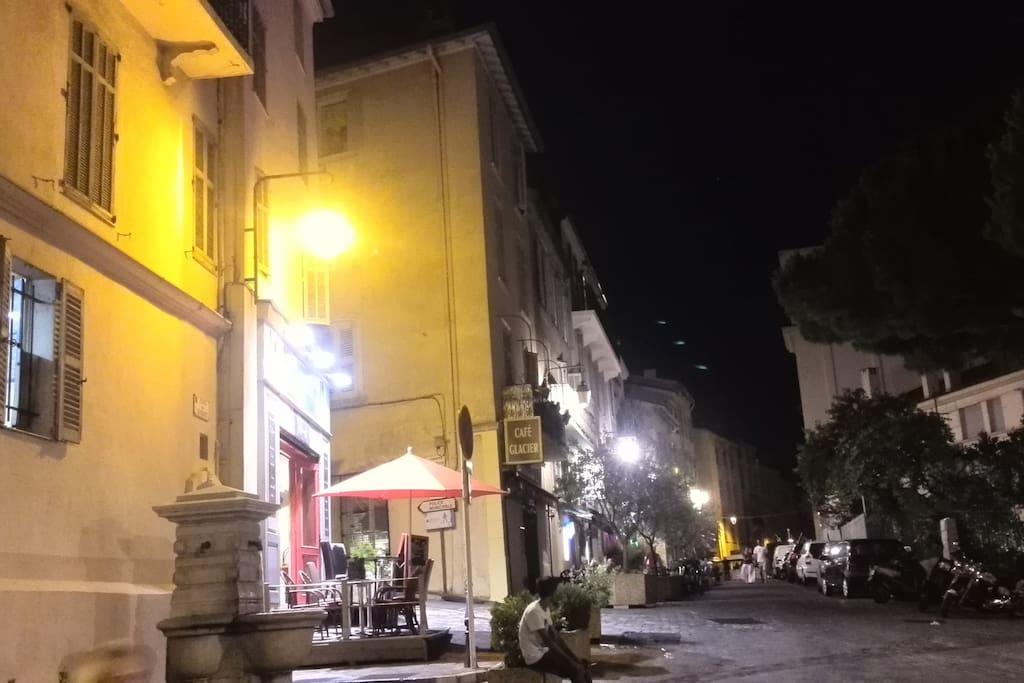 la rue la nuit