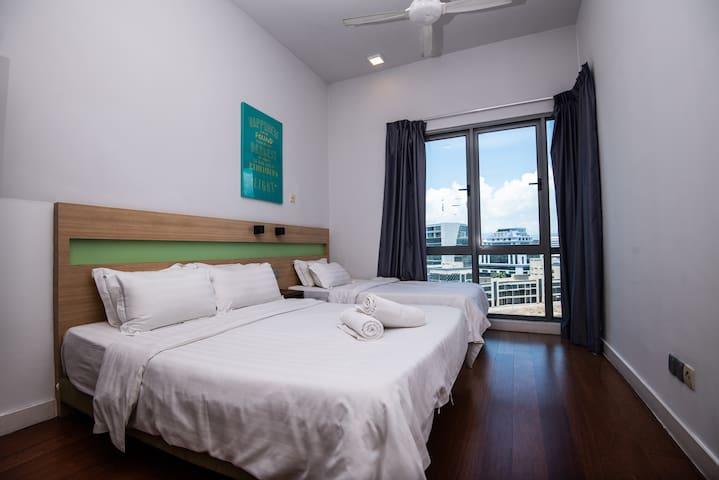 AC #3 : 3BR Apartment @ IMAGO + Free WiFi