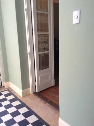 PH antiguo ideal para estudiantes - Buenos Aires - Rumah