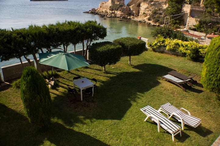 Apartment in villa near the sea - Isola