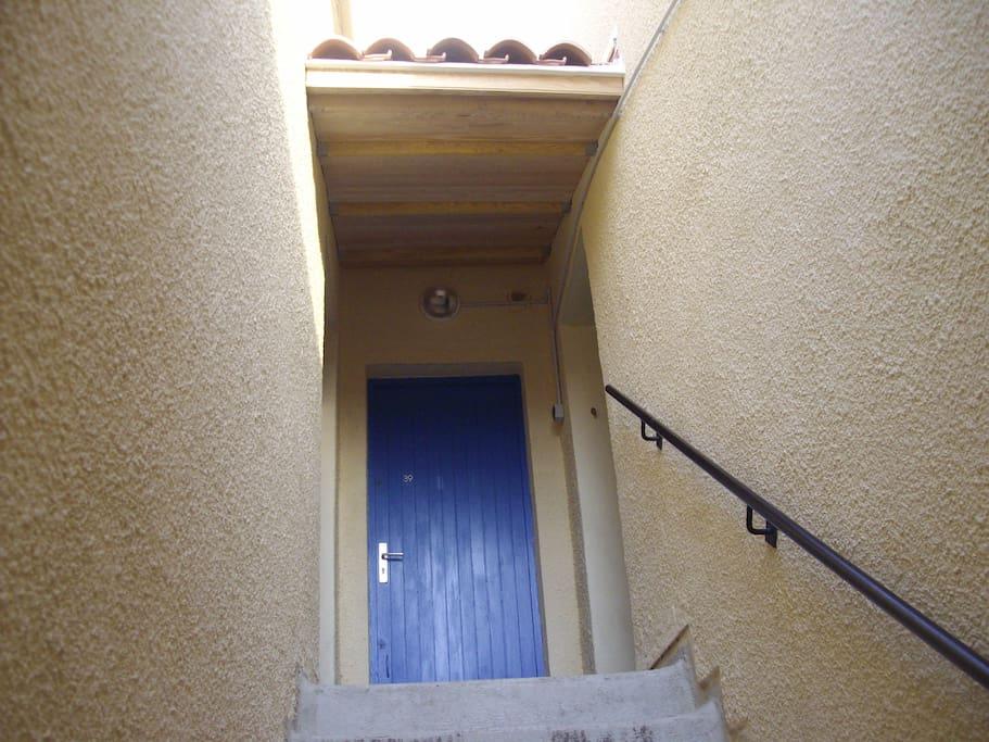 Porte d'entrée (premier étage)