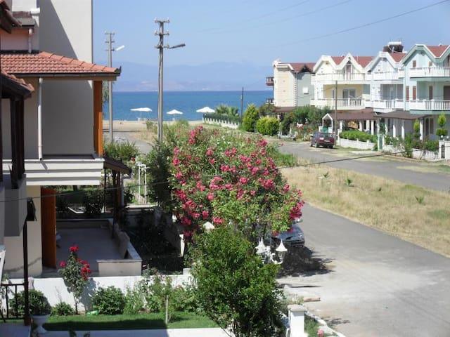 AYVALIK ALTINOVA EŞYALI YAZLIK - Ayvalık - Villa