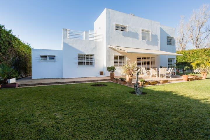Dependance de villa luxe apartments for rent in rabat for Beau jardin apartments reviews
