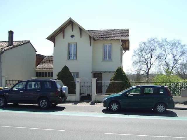 Midi Pyrenees sur le chemin de St Jacques - Valence d'Agen - House