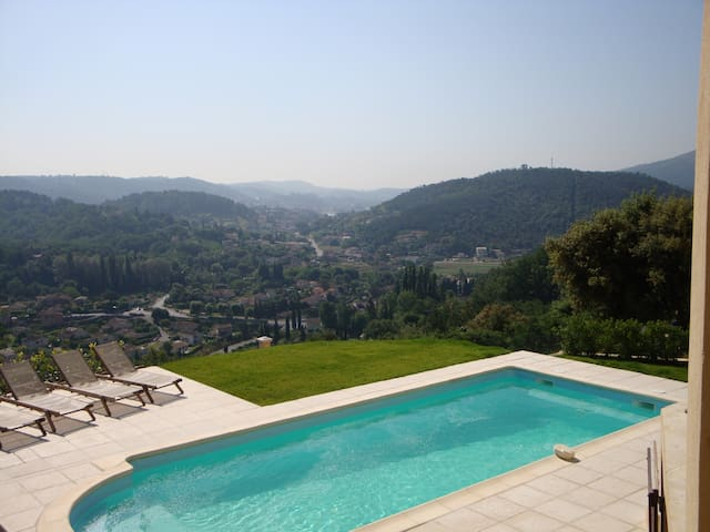 Guest Apt -with amazing views and private pool - Auribeau-sur-Siagne - Huoneisto