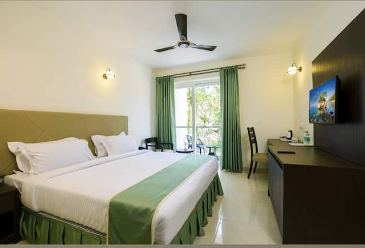 Superior rooms package for 3 nights/4 days@12000