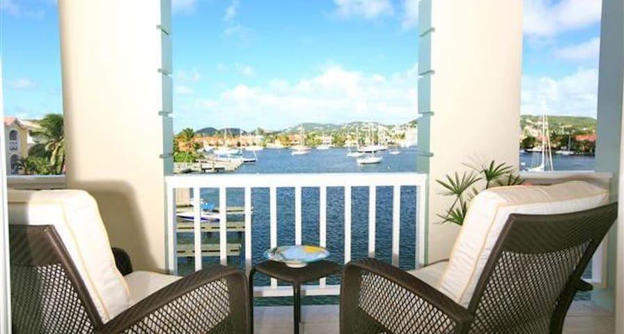 Luxury Waterside Townhouse - Rodney Bay - Villa