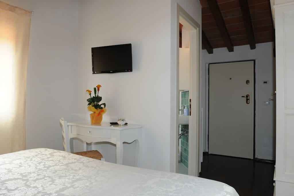 sahasrara chambres d 39 h tes louer arezzo toscane. Black Bedroom Furniture Sets. Home Design Ideas