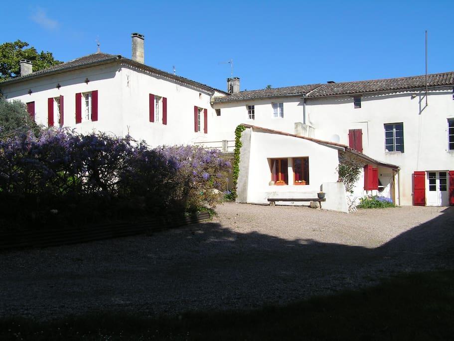 Chambre d 39 h tes villas louer montcaret nouvelle for Chambre d hote france