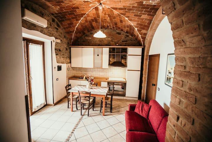 Bilo n° 4 in podere tipico Toscano con Piscina