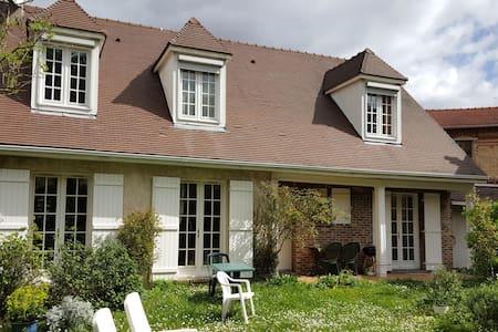 Très belle et vaste maison - Soisy-sous-Montmorency