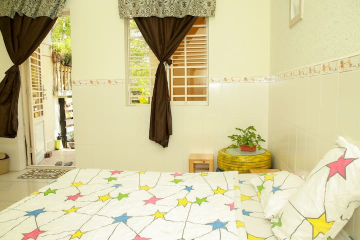 Love Room 1- Lidu Home- private garden/ window