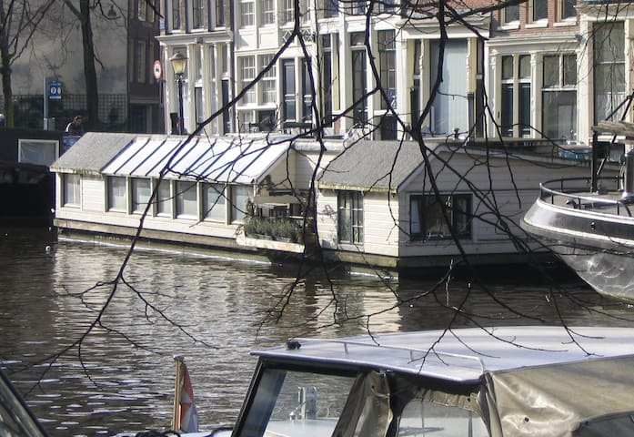 Woonboot in centrum Amsterdam - Amsterdam - Boat