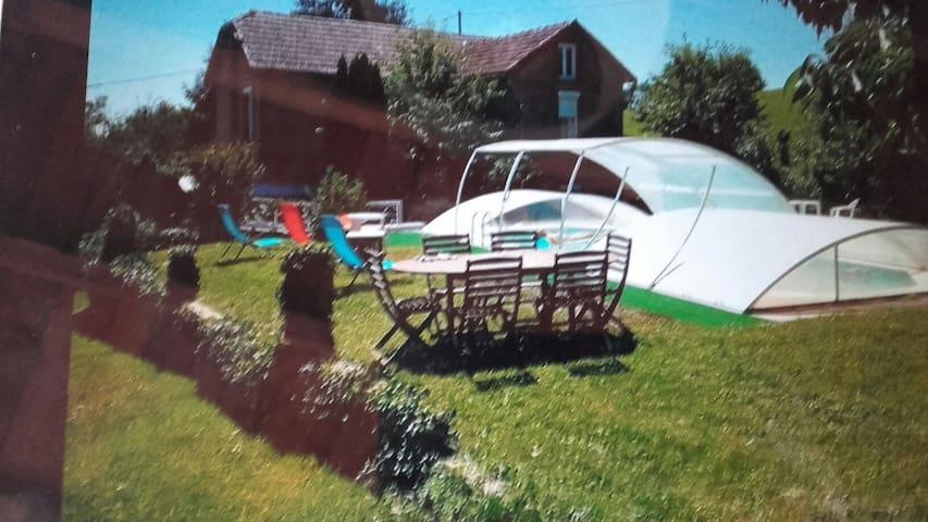 Gîte  maison campagne avec piscine - La Salvetat-Peyralès - Huis