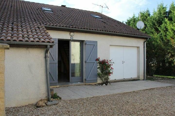 FUTUROSCOPE/Poitiers  maison 10/14 personnes 260€