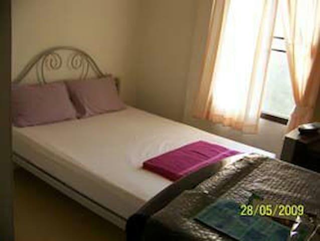 Phurahong Homestay (Double room) - Bangkok - Huis