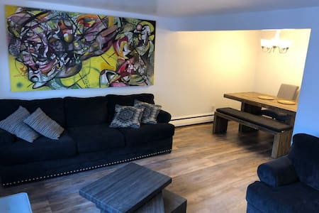 Stylish 2 bedroom entire apt 10 minutes from NYC!