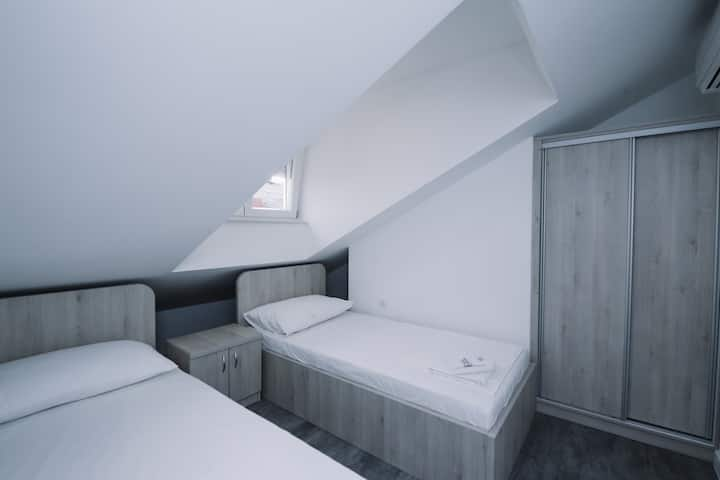 Private room & bathroom w/ nice view & AC