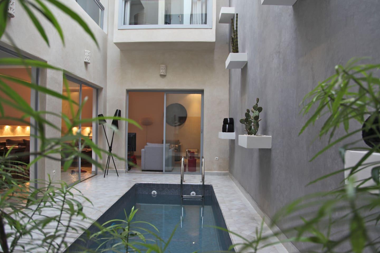 entrée du patio avec toit électrique, bassin chauffé