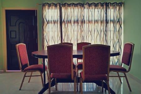 Ashirwad Homestay - Guwahati - Bed & Breakfast