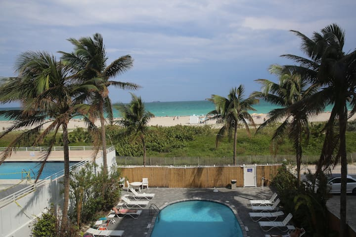 South Beach Sea View with Heated Pool!