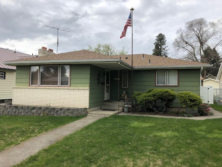 NW Spokane Family home (NO CLEANING FEES)