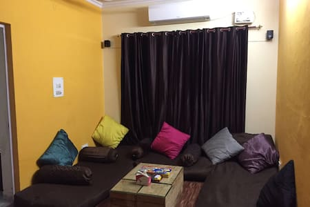 Cosy entire home close to Airport - Delhi - Lakás
