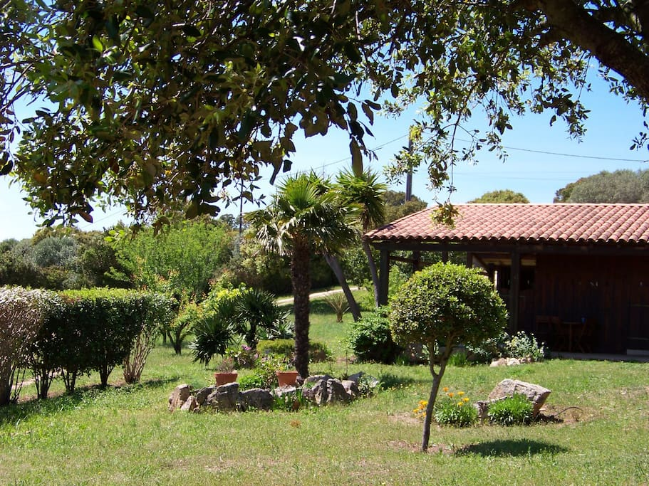 la maison et son jardin privatif