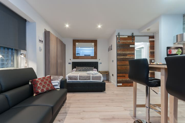 Charming apartment for couples in Chueca