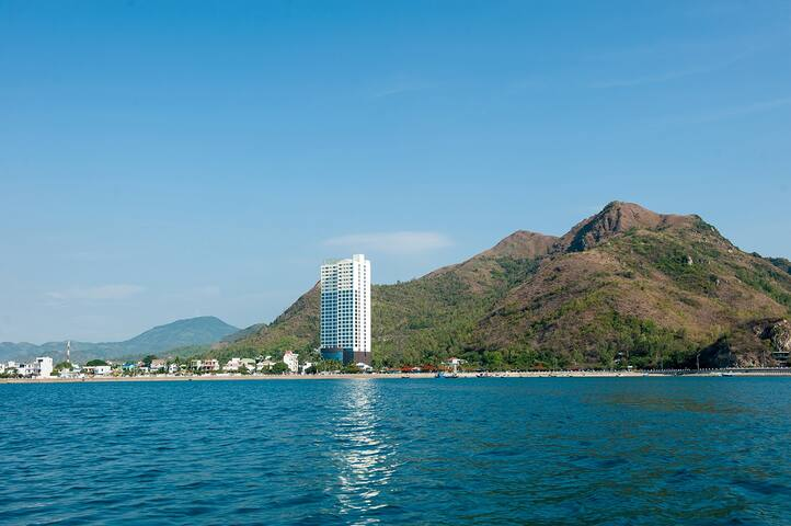 Beachfront quiet two bedroom flat - tp. Nha Trang - Byt