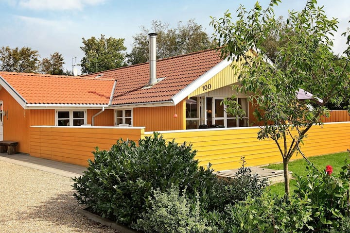Vintage Holiday Home in Hemmet for 6 People