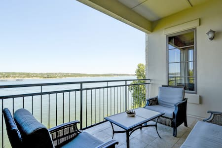 Sophisticated Lake Travis Condo - Lakeway - Wohnung