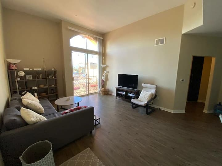 Charming 1BR apartment, up to 4 guests