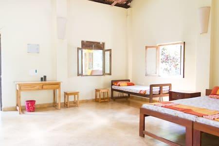 Spacious Cottage on Eco-Farm in Goa - Karmane