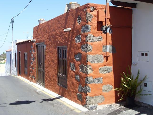 CASA VIDAL - Chirche - House