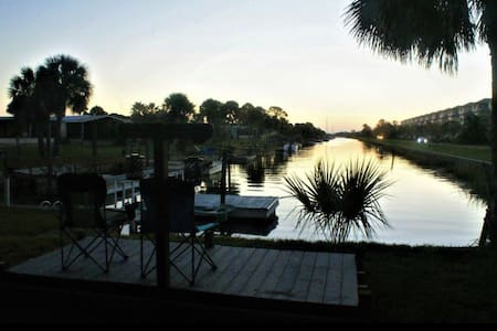 Shell Point Beach Getaway! Beach & Private Dock