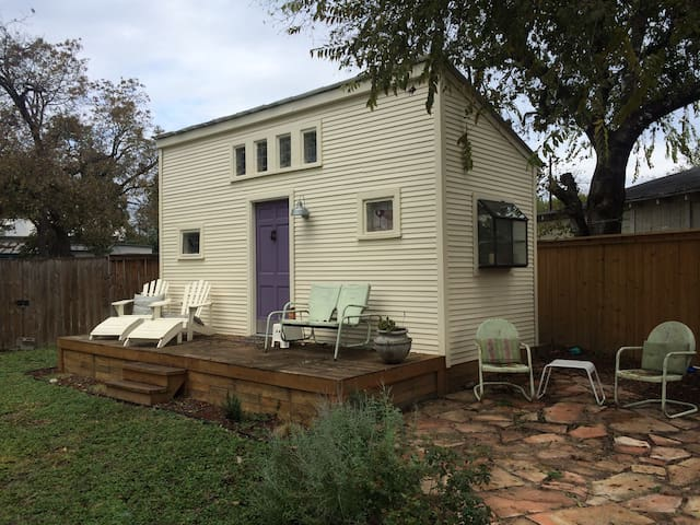 Backyard Tiny House, walk to Pearl! - San Antonio - Guesthouse