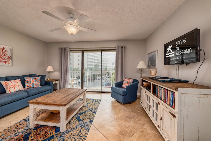 Seaside Beach & Racquet Club #2304 - Cozy Condo in the Heart of Town!