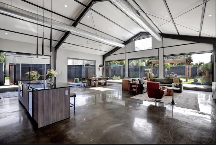 Industrial House in Dallas Design District