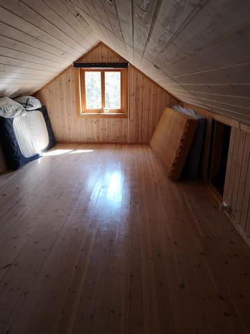 Bedroom on the attic sleeps 4 on mattresses