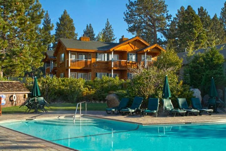 Red Wolf Lakeside Lodge: 1 Bedroom - Tahoe Vista - Villa