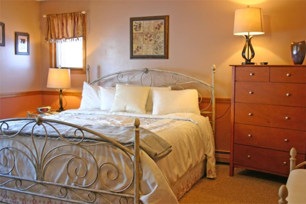 Several of our 26 bedrooms have queen beds.