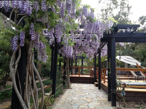 Guest  House in Sunny Carmel Valley