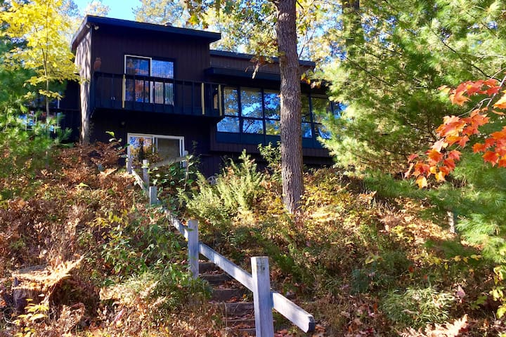 Good Times On Cedar Lake Family Cottage