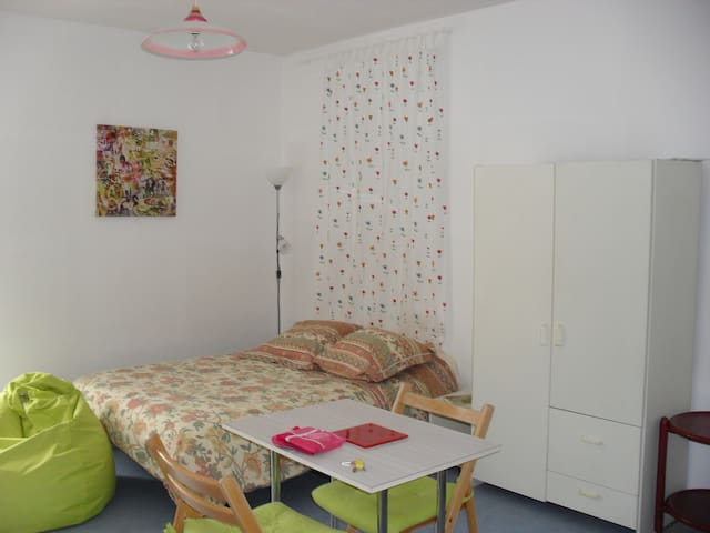 Saint-Loup Studio - Guingamp - Apartment