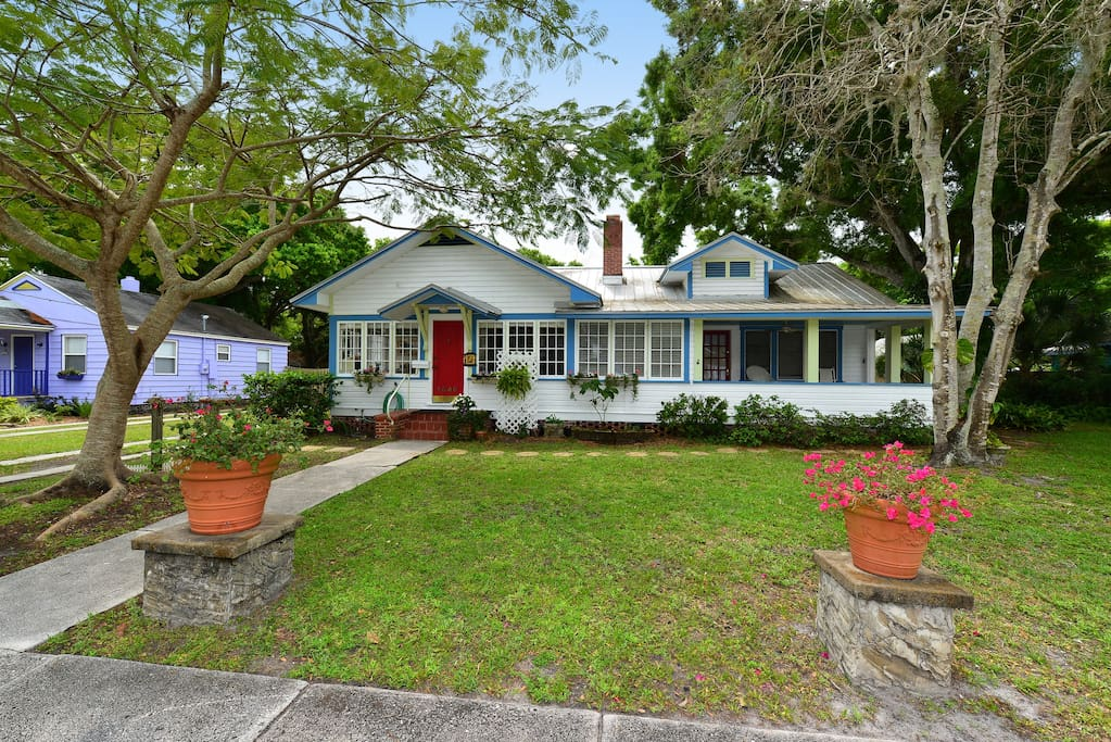 Parrot 39 S Perch Downtown Sarasota Apartments For Rent In Sarasota Florida United States